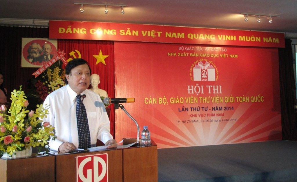 Nhà giáo ưu tú Ngô Trần Ái, Tổng Giám đốc NXBGDVN phát biểu tại Hội thi khu vực phía Nam