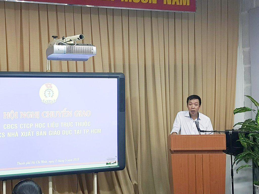 Ông Vũ Bá Tuấn - Chủ tịch CĐCSTV Cty CP Học Liệu phát biểu