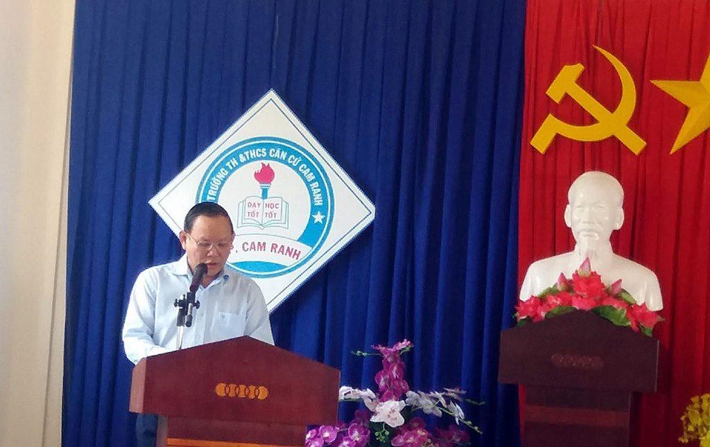 Ông Nguyễn Đức Thái - Chủ tịch HĐTV NXBGDVN phát biểu tại buổi lễ tặng sách