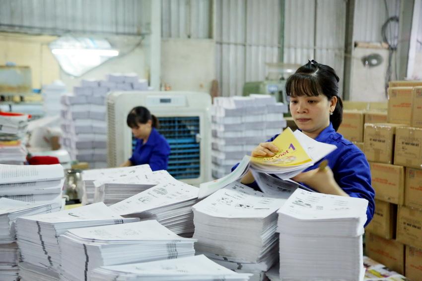 Hiện có 3 NXB tham gia biên soạn SGK cho thấy Nghị quyết của Quốc hội về xã hội hoá biên soạn SGK đã đi vào thực tiễn giáo dục. Nguồn ảnh: giaoducthoidai.vn