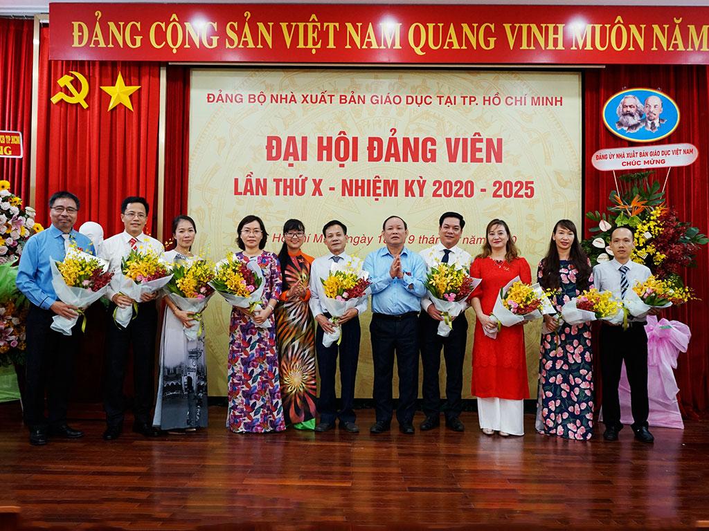 Ban chấp hành Đảng Bộ NXBGD tại TP. Hồ Chí Minh nhiệm kỳ 2020 - 2025